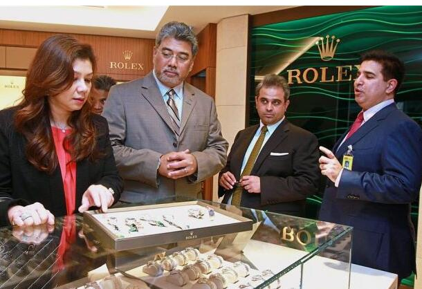 replica rolex for travellers