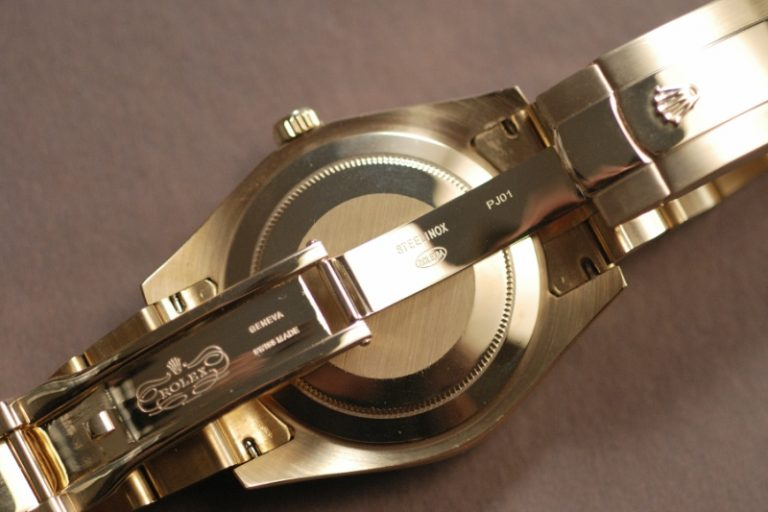 Rolex-Sky-Dweller-Replica-Bracelet-768x512
