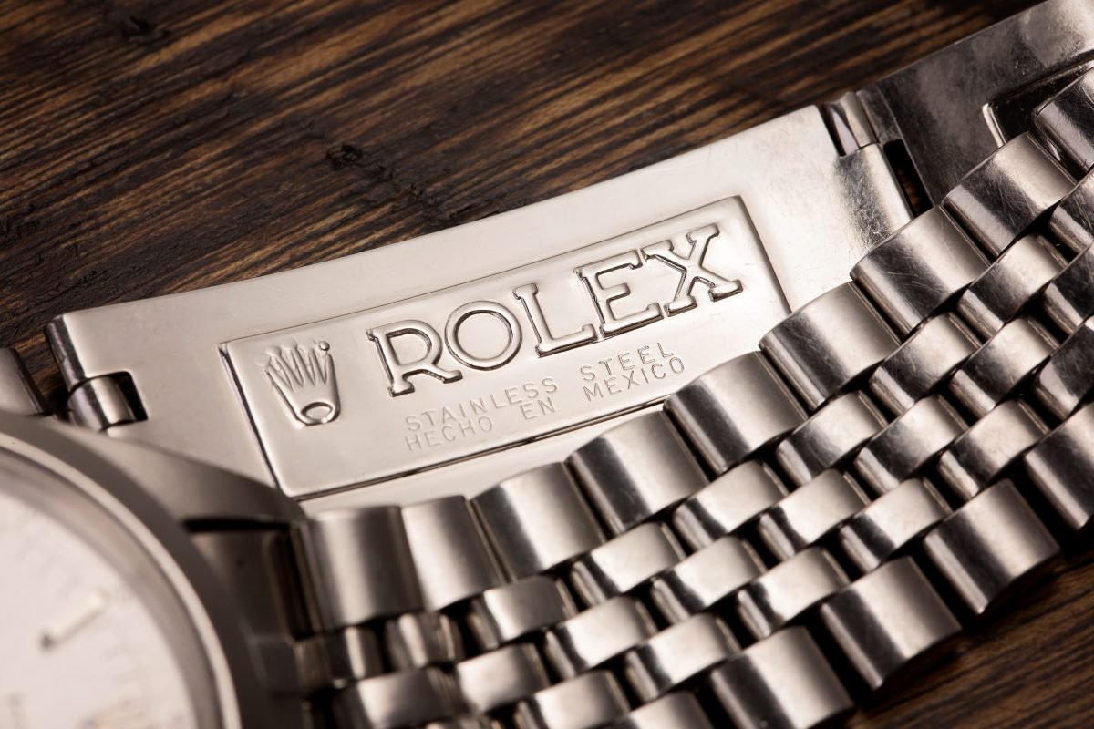 An inside view of the Rolex 6238's stainless steel jubilee bracelet replica